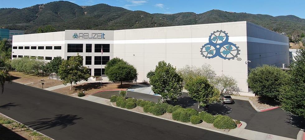 REUZEit Vincent Moraga HQ building Front-980px