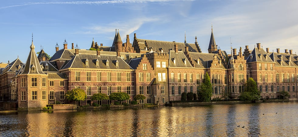 The Hague-consisten economic stability