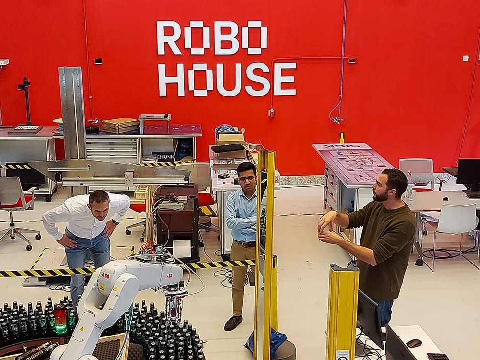 Heineken bottle picker robotics
